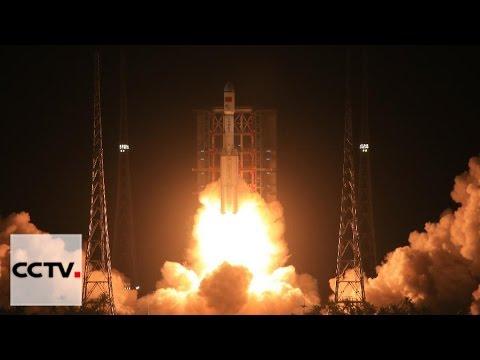 """Китай успешно запустил ракету-носитель """"Чанчжэн-7"""""""