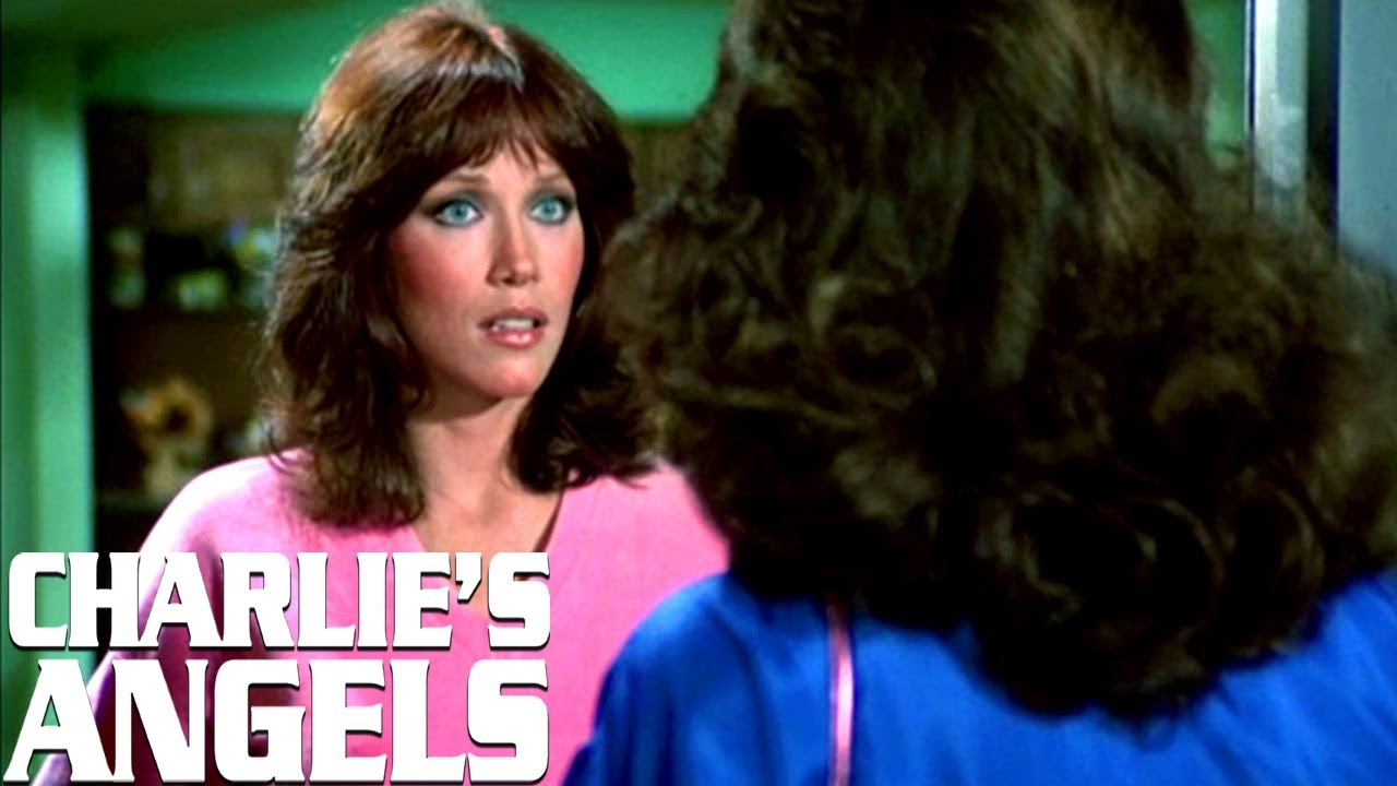 Kelly Meets Julie For The First Time | Charlie's Angels
