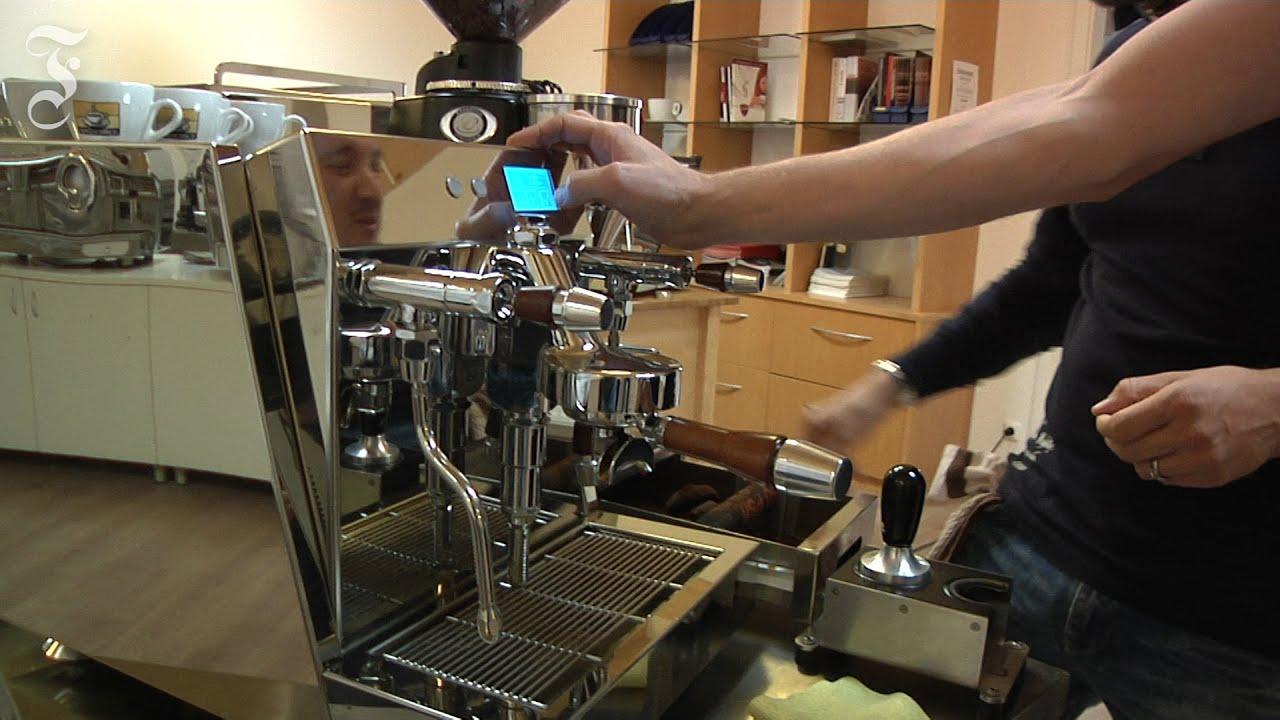 Espressomaschine im Test: Mit Druck richtig umgehen können - YouTube