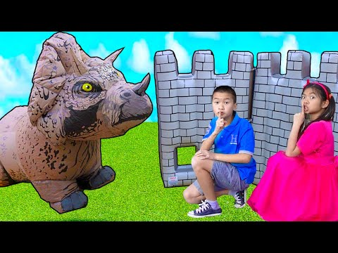 Emma and Andrew Plays with Dinosaur and Builds Him a Play House