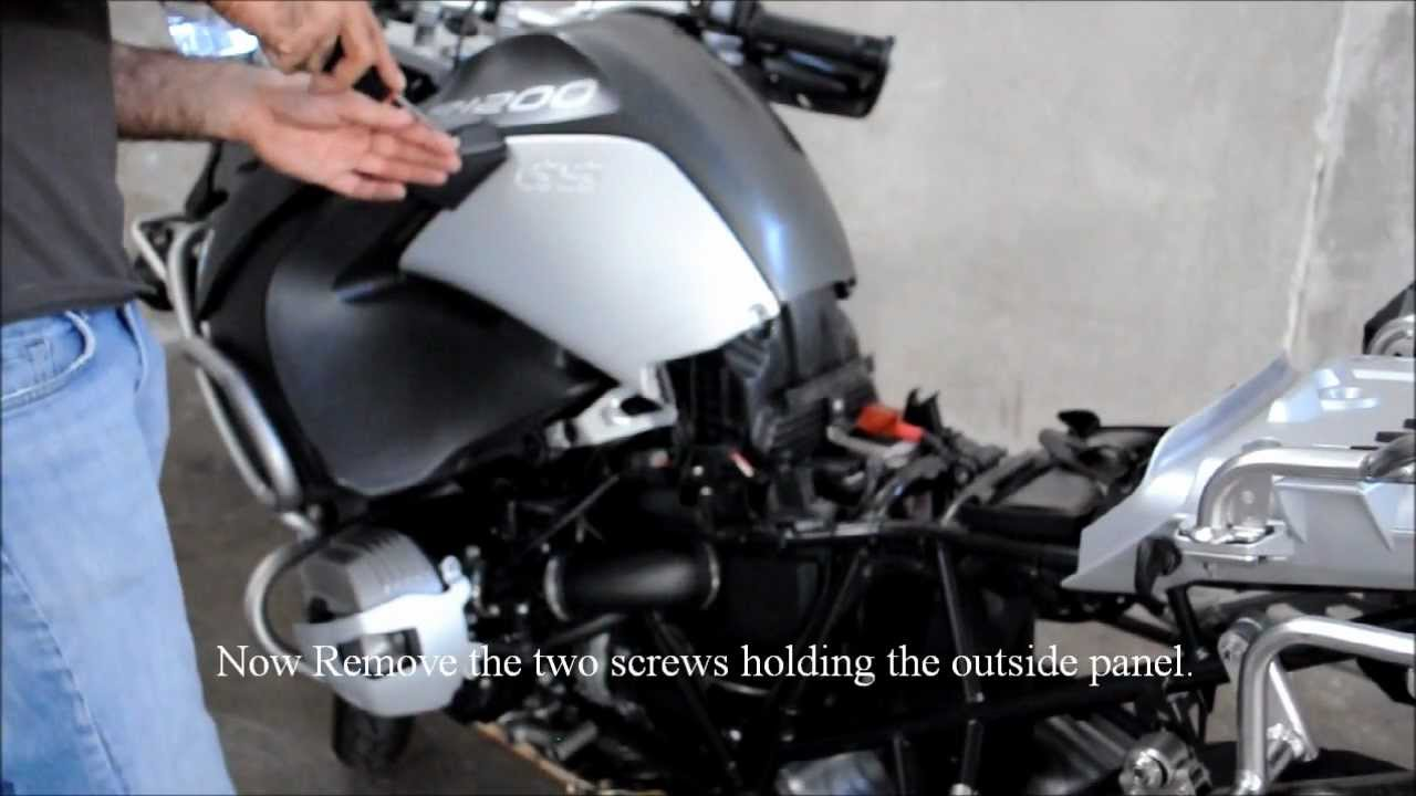 maxresdefault installing a power socket on 2011 bmw r1200gs adventure youtube bmw gs 1200 fuse box location at bakdesigns.co