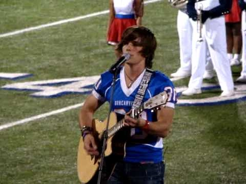 "Tim Urban sings ""Hallelujah"" at hometown game half-time"