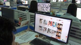 Распродажи в Китае. Что покупают холостяки 11.11?(11 ноября в Китае празднуют День Холостяка. В тот день большинство магазинов устраивает распродажу. Где..., 2015-11-07T01:35:52.000Z)