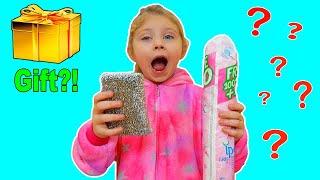 Reactia Melissei la Surprizele Inutile   Video for Kids