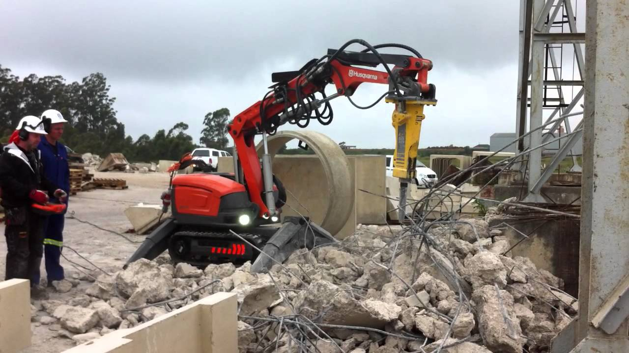 Robotic demolition husqvarna dxr 310 youtube for Husqvarna robot