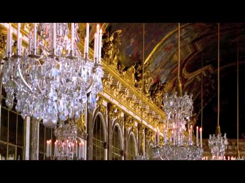 HALL OF MIRRORS (VERSAILLES)