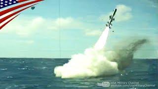 潜水艦の潜望鏡から見るハープーン対艦ミサイルの水中発射