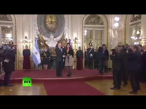 Президент Аргентины встречает