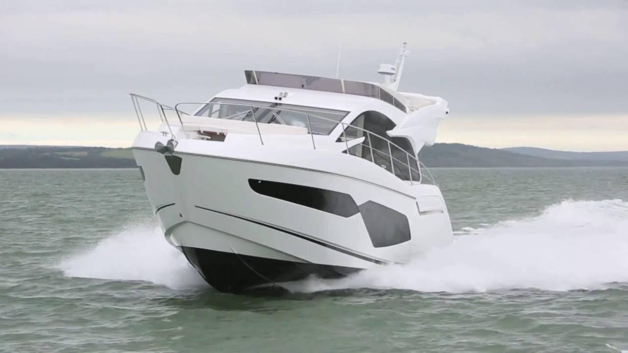 Motor Yacht: Sunseeker Manhattan 52 Review