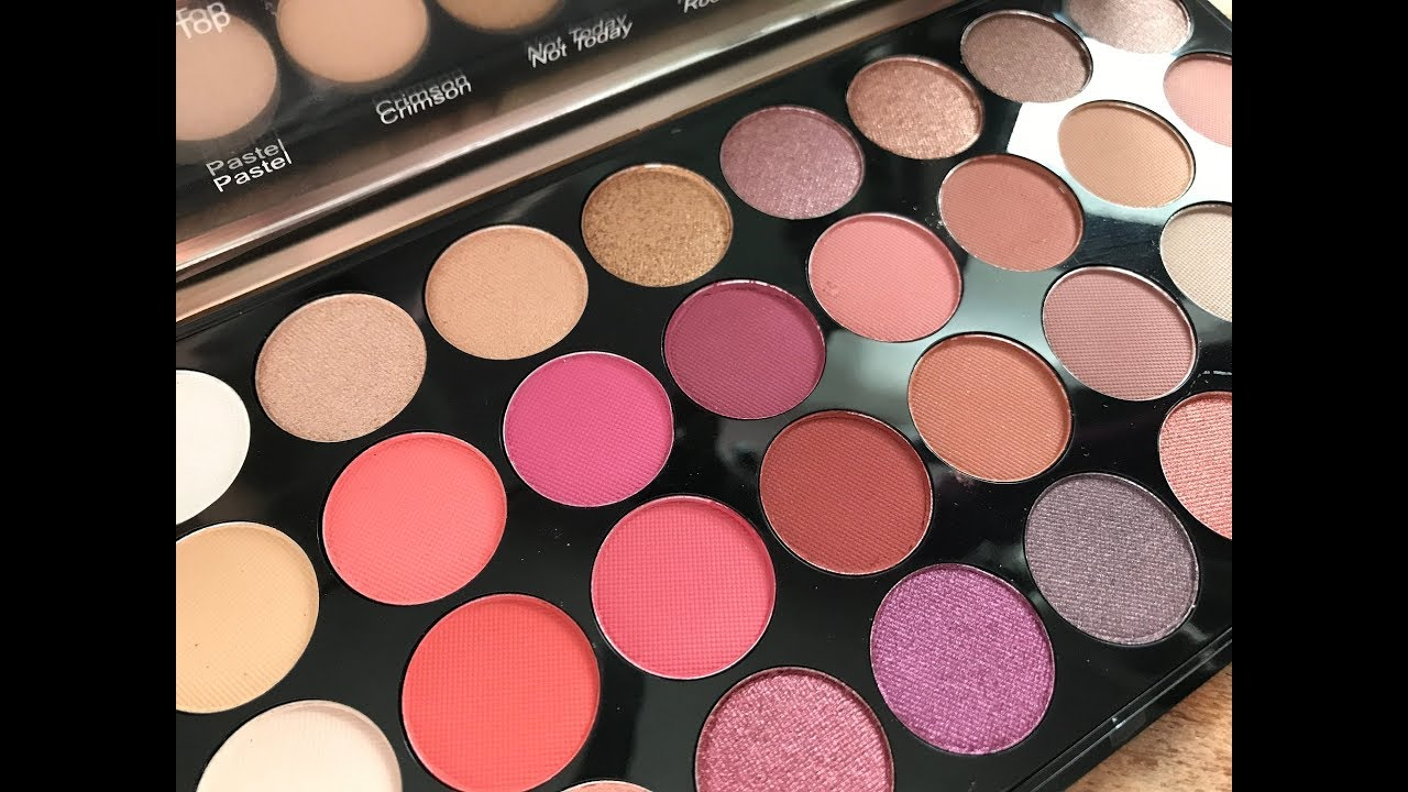 Makeup revolution flawless 4 swatches