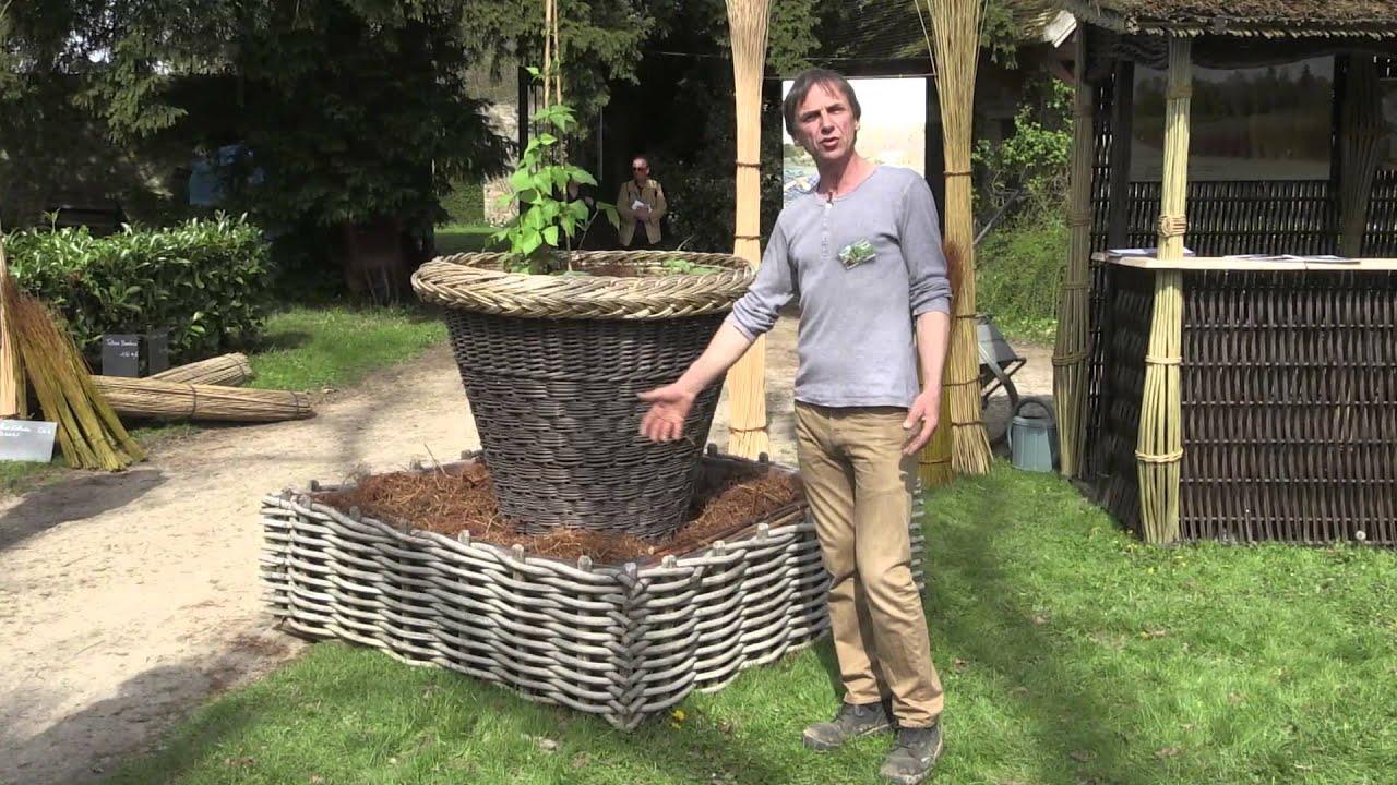 Les carr s potagers en osier youtube for Carre potager en osier 120x120