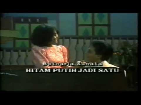 Betharia Sonatha - Hitam Putih Jadi Satu (Original Video Clip & Clear Sound)