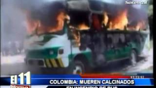 Repeat youtube video COLOMBIA: MUEREN CALCINADOS EN INCENDIO DE BUS