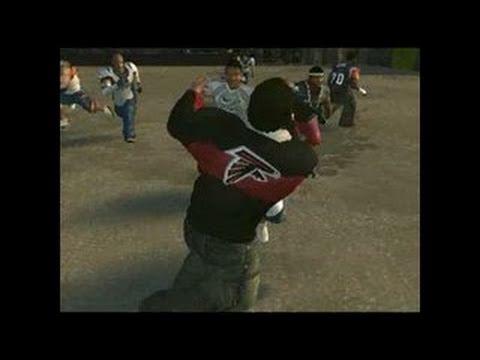 NFL Street 2 PlayStation 2 Trailer - World Premiere Trailer