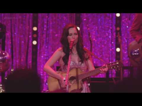 Kacey Musgraves - Follow Your Arrow (Live at Royal Albert Hall)