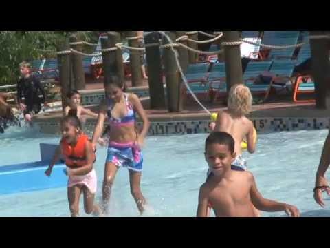 Aquatica Water Park Opening Day - SeaWorld Orlando
