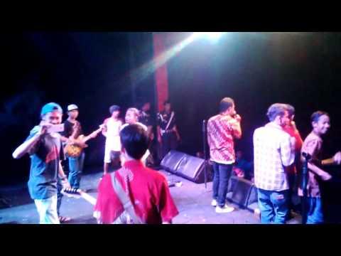 Jogjog Reggae Roots - Berenyit
