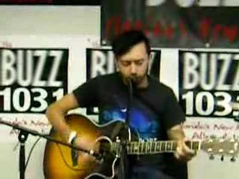 """Rise Against - """"Prayer of the Refugee"""" (live acous"""