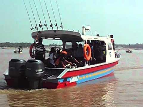 PN Rompin lancar bot baru untuk memancing.