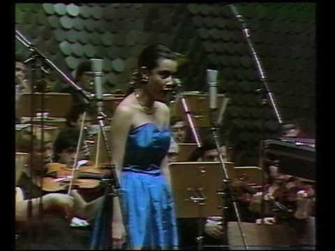 "17 year old Alexandrina Pendatchanska sings ""E strano... Sempre libera"""