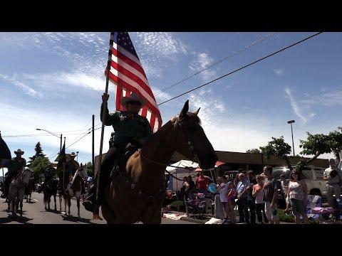 Video: Strawberry Festival Grand Parade
