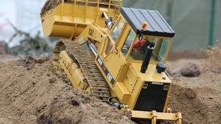 RC CATERPILLAR 963B TRACK LOADER AT THE RC CONSTRUCTION SITE WITH COMMENT