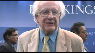 Professor Johan Galtung supports a leaderless Occupy movement