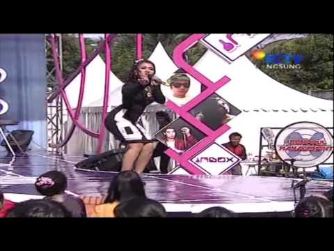 PUPUT PEI Live At Inbox (18-11-2013) Courtesy SCTV