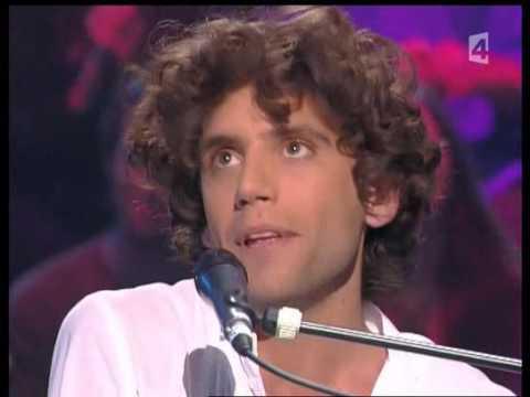 Mika singing Champs Elysées