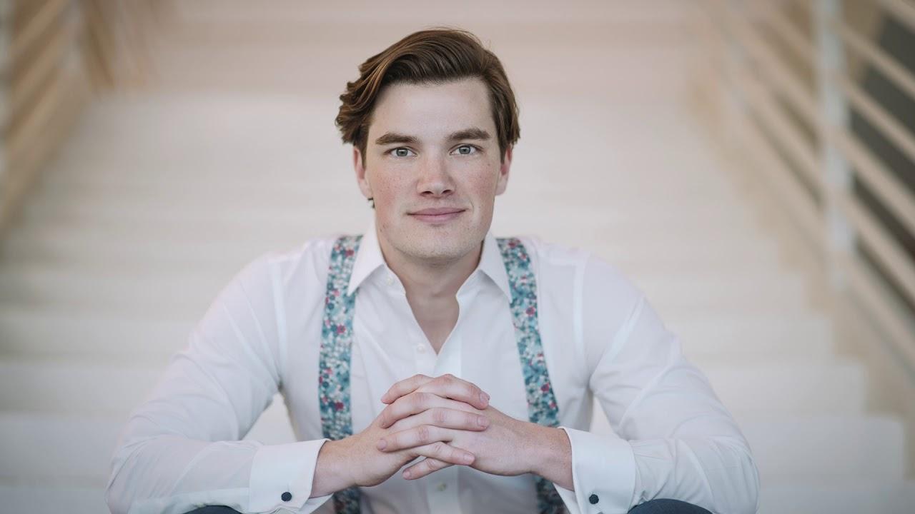 """Ben Schaefer sings """"Avant de quitter ces lieux"""" from Faust"""