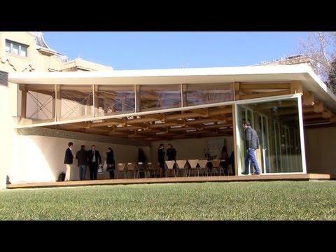 Shigeru Ban inaugura edificio con más de 173 tubos de papel