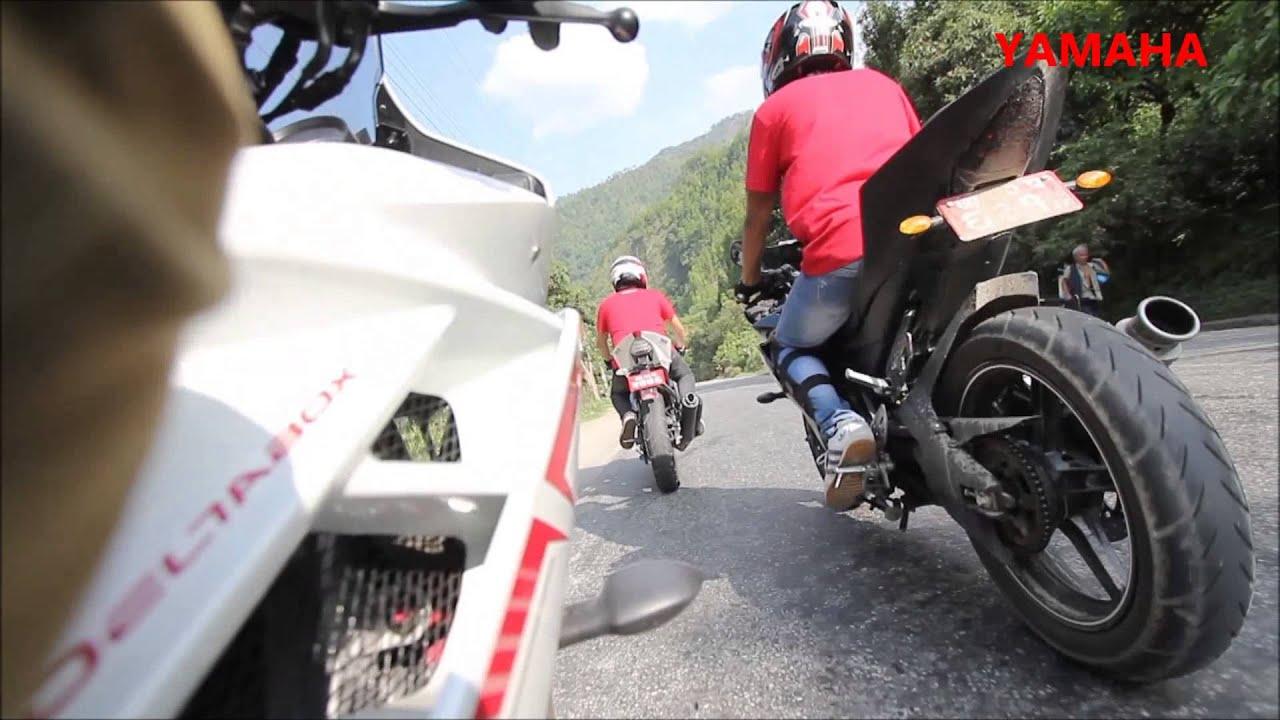 Hd wallpaper yamaha r15 - R15 Bike Stunts Wallpapers Hd