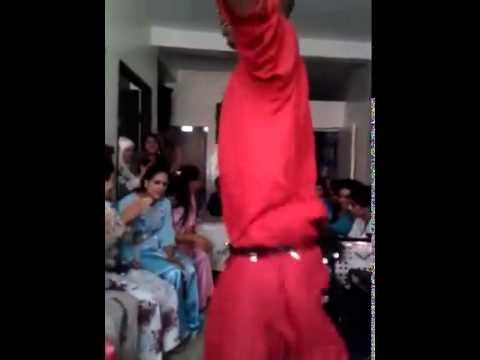 شاب مغربي يرقص رقص مثيييييير thumbnail