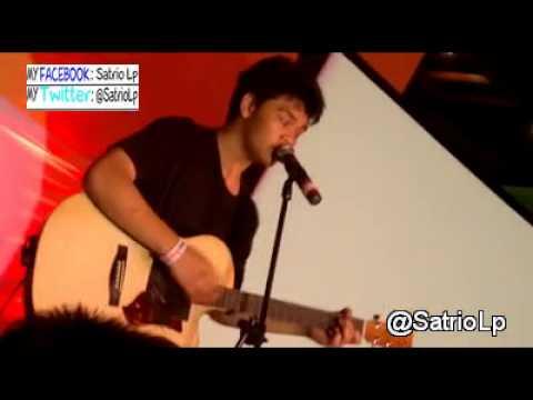 Official video Mikha angelo X Factor - Lost At Sutos Surabaya 30-6-2013 by @SatrioLp Fb & Twitter