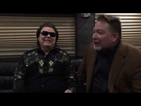 Bob Pickett visits with Ronnie Milsap