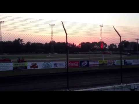 Devon Schlumbohm A-Mod heat race @ Murray County Speedway (Slayton,Mn)
