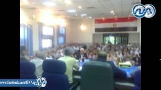 """بالفيديو.. رئيس مدينة ساقلته لمحافظ سوهاج: """"المية متتشربش"""""""