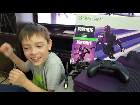 XBOX ONE S FORTNITE EDITION UNBOXING My Nephew Won At CHQ Arcade! Metropolis Mall, Metrotown