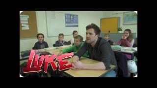 Entschuldigung per Autogrammkarte - Luke besucht sein altes Gymnasium - LUKE! Die Schule und ich
