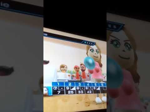 Je joue a Wii sport désoler pour la fin ma vidéo c est arrêté