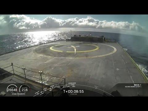 SpaceX rocket misses