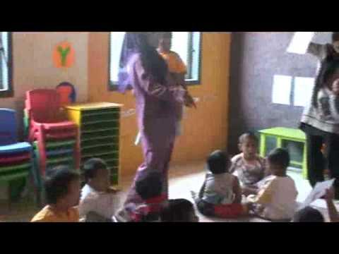 Pembelajaran Bahasa inggris Play group Awliya Cirebon