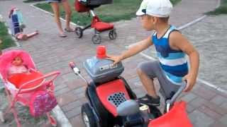 Детский мотоцикл на аккумуляторе.Children's bike on the battery.(Катаемся на аккумуляторном мотоцикле.Ride on battery motorcycle., 2015-08-23T18:46:25.000Z)