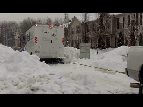 FedEx truck stuck in snow-Baltimore, Maryland