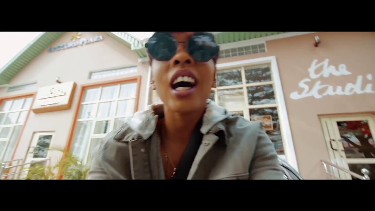 Download FEFE-PROFESSIONAL (OFFICIAL MUSIC VIDEO)