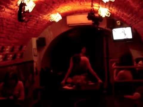 львівські тортури для насолоди в стилі Леопольда фон Захер-Мазоха в Мазох-кафе