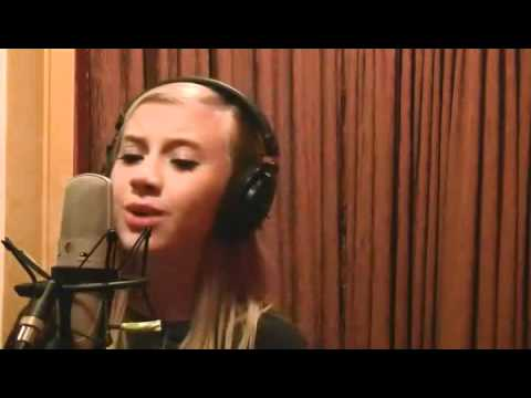 "12 Year Old Lauren Marie Presley - Singing ""A Little Bit Stronger"""