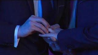 أول زواج لمثليين في فرنسا