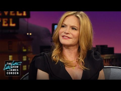 Jennifer Jason Leigh Almost Stole from the White House