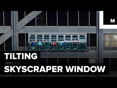 Tilting Skyscraper Window Lets You Hover 1,000 ft Over Chicago